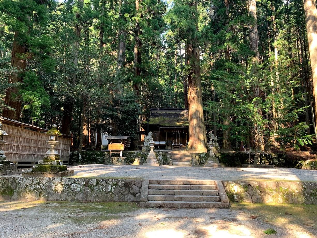 龍穴神社本殿