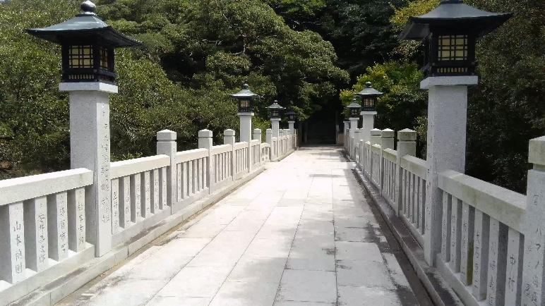 家島神社参道